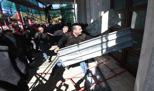 Tense Protest Ends As Minister Thanks Police Forces Albania